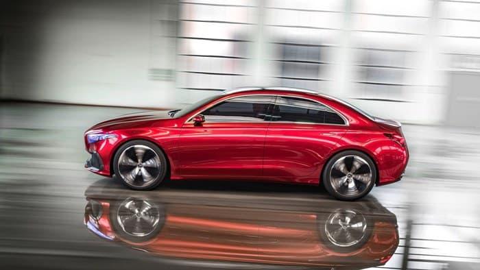 Mercedes-Benz A-class 2018. Вид сбоку