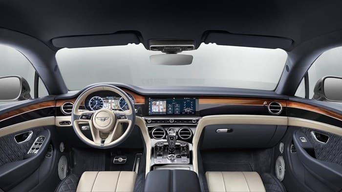 Салон нового купе Новый Bentley Continental GT 2018