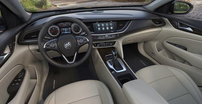 Салон нового Buick Regal 2018